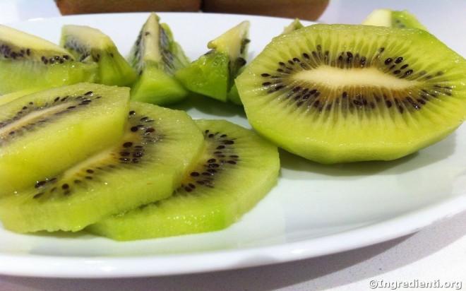 kiwi_tagliati